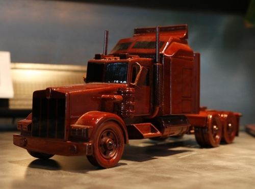 Over the road cargo shipment truck model by Los Angeles logistics company